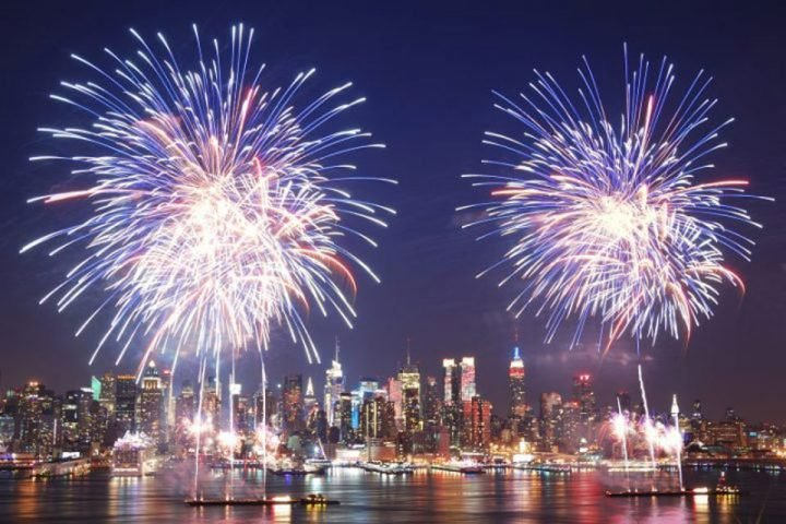 Top 6 Places to Watch Fourth of July Fireworks in New York City