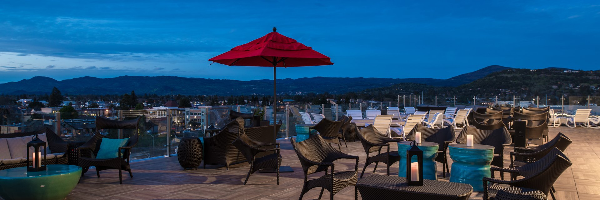 The Best Places for Cocktails in Napa Valley | Sky & Vine | Archer Hotel Napa