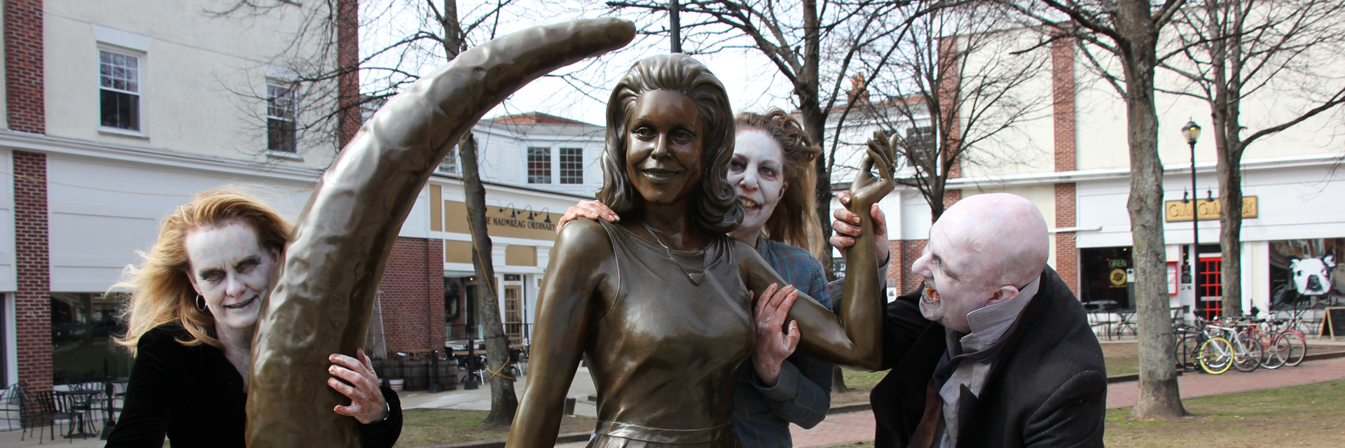 Salem MA — Bewitched statue — photo John Andrews | Salem Haunted Happenings