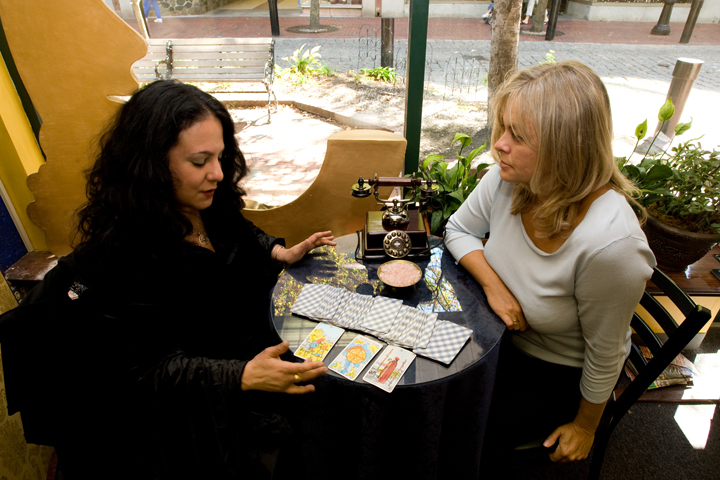 Psychic readings in Salem — photo courtesy of Jared Charney | Salem Haunted Happenings
