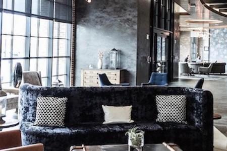 Open hotel lobby space