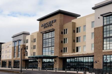 Archer Hotel Burlington — Exterior