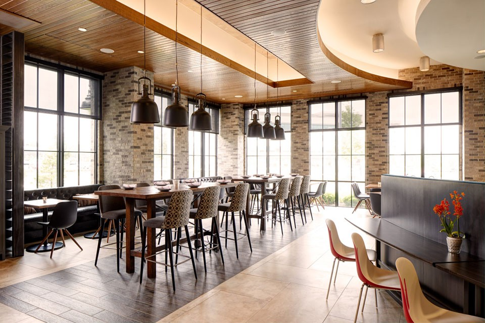 Archer Hotel Florham Park - Archer's Kitchen and Bar dining room
