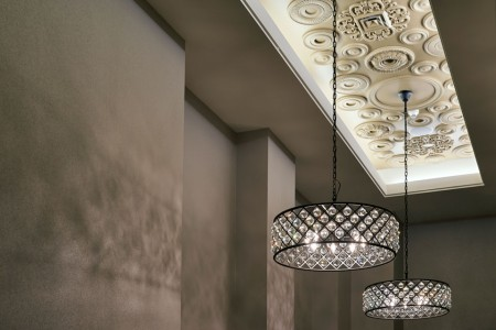 Light fixtures and ceiling detial
