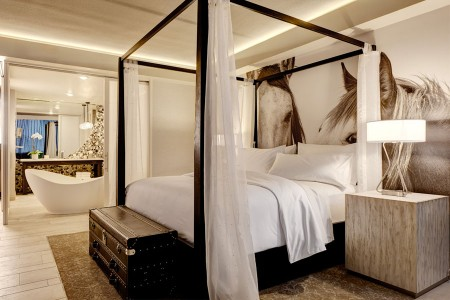Archer King Suite - four-poster bed with five-star bedding and soaking tub