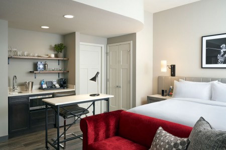 Deluxe King Studio Suite - fully stocked wet bar, workspace and platform bed