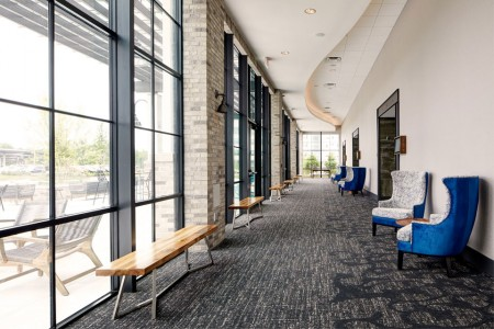 Archer Hotel Florham Park —Great Room Foyer with seating