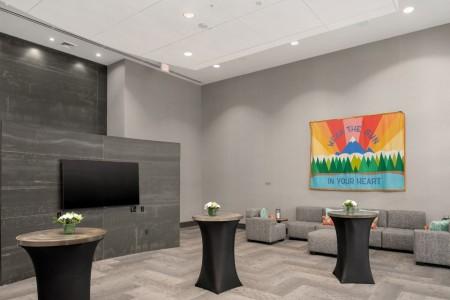 Archer Hotel Redmond  - Hospitality Lounge with TV