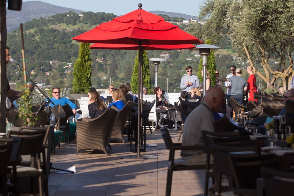 Archer Hotel Napa — Sky & Vine® Rooftop Bar —  Party with live music