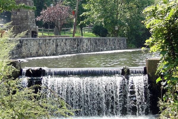 Waterfall of the Speedwell Dam
