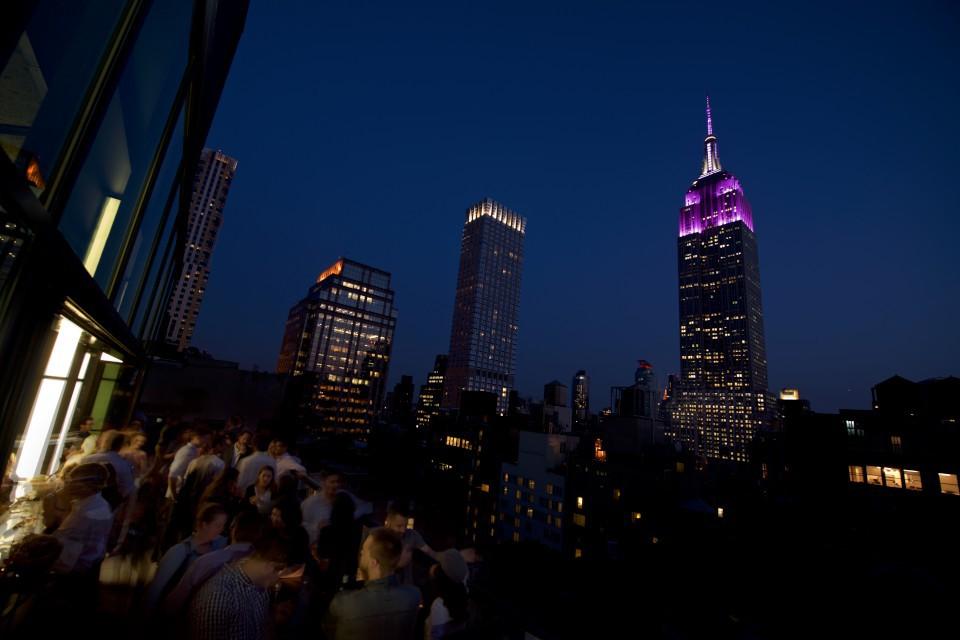 Midtown Manhattan Rooftop Bar Spyglass At Archer Hotel Nyc