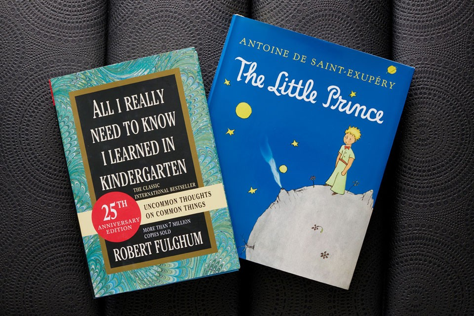 In-room books The Little Prince and All I Need to Know I Learned in Kindergarten